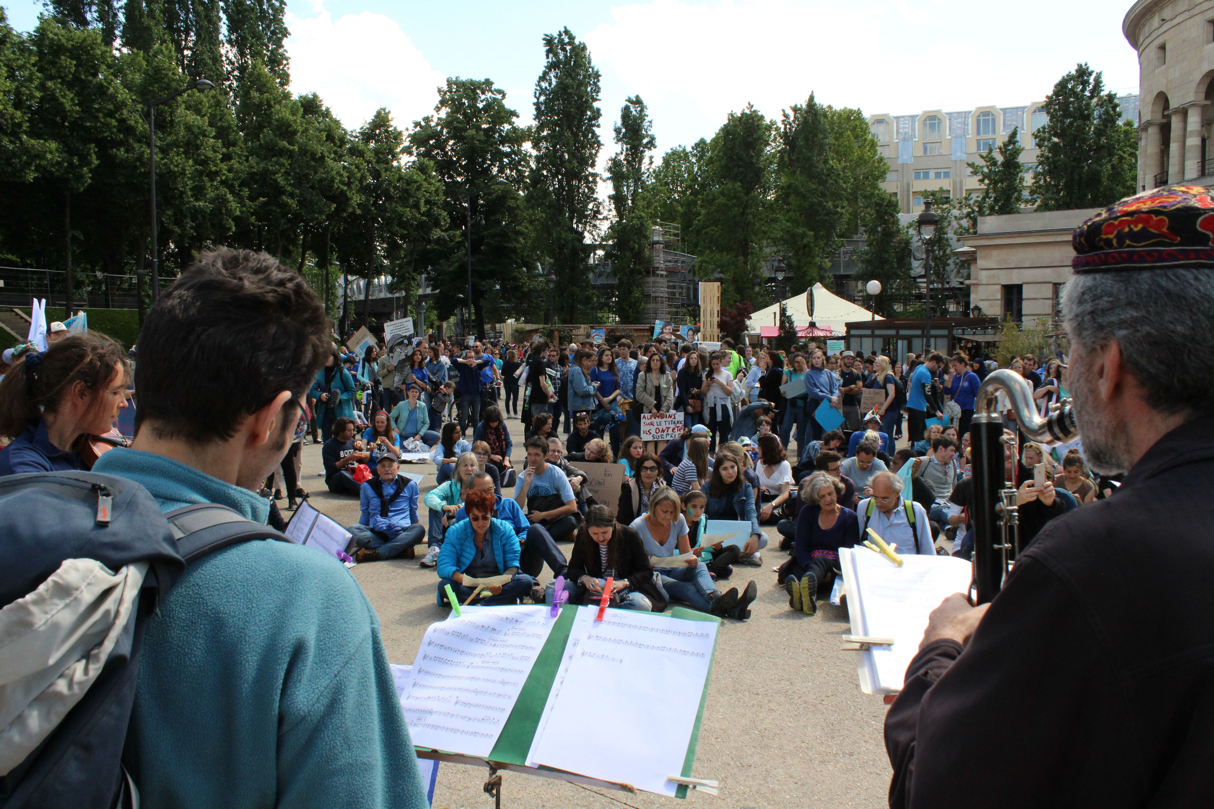 L'Orchestre Debout a accueilli les manifestant.e.s à la fin de la Marche pour le Climat / ©Cypriane El-Chami