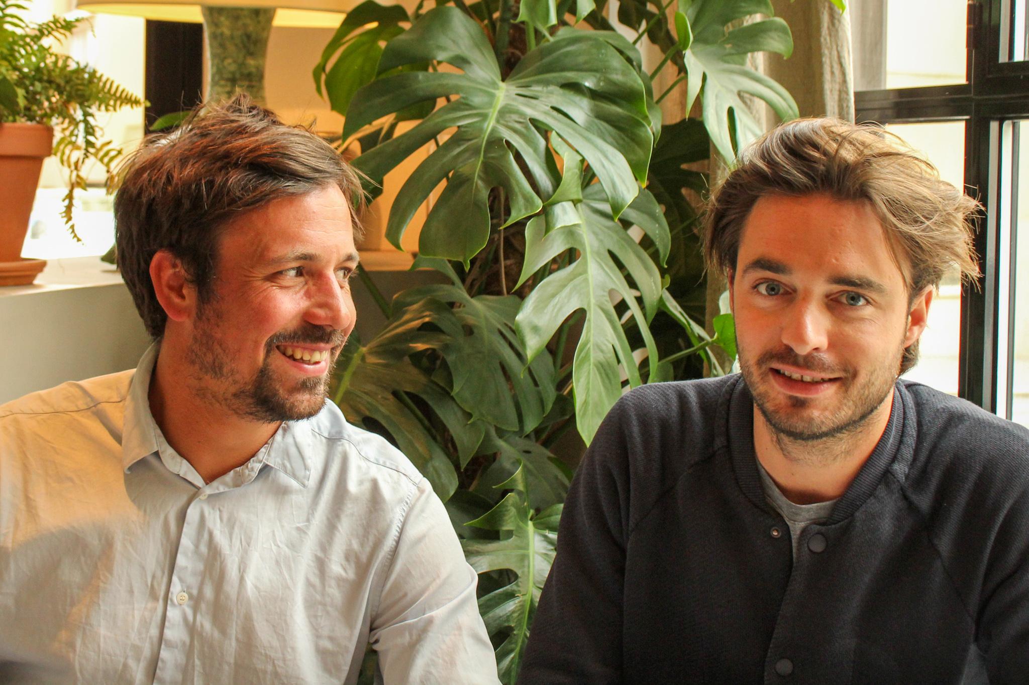 Hugo Meunier (à gauche) et Antoine Baume (à droite), deux cofondateurs de Merci Raymond / ©Cypriane El-Chami