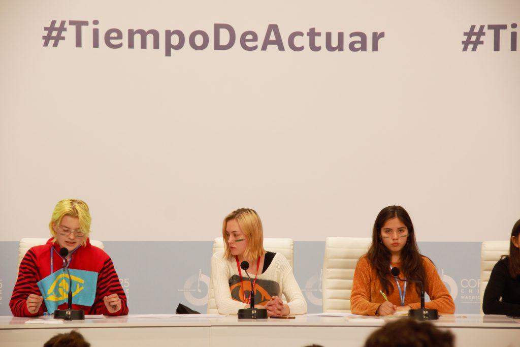 Conférence de presse de Friday for Future, vendredi 13 décembre 2019, peu avant l'heure à laquelle la décision de la COP25 devait être rendue publique