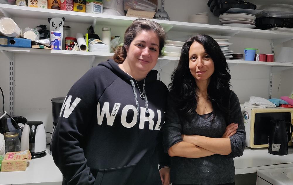 Anissa et Rachida sont deux femmes engagées au sein du syndicat de parents d'élèves Front de mères. ©Kaizen